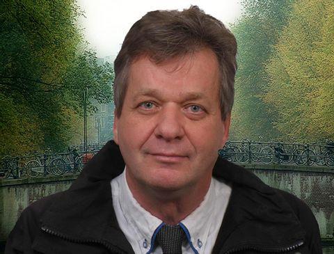 Hans L.
