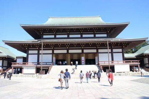 Three-hour tour to Naritasan Temple, one of the biggest and the closest temples from Narita Airport