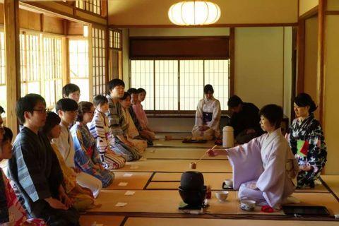 Yukata (Casual Kimono) Wearing Lesson & Tea Ceremony Lesson <Program upon Request>