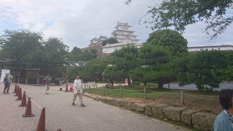 Let's visit Himeji Castle,the first world heritage site in Japan.