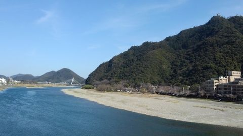 Enjoy local river boat and big Golden Buddha in Gifu