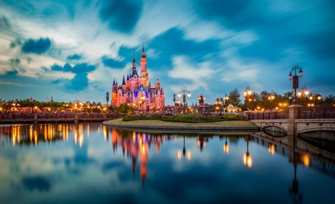 Shanghai Disneyland Tickets & Private Transfer Service