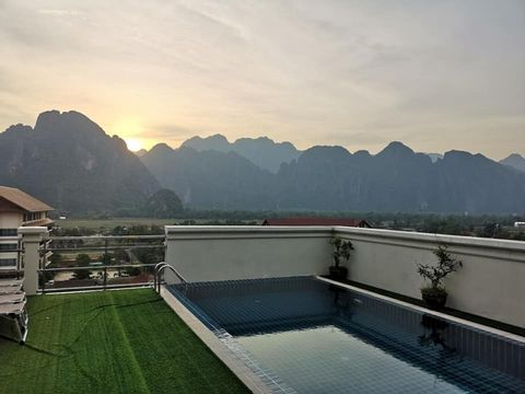 2 Day Private Tour: Vientiane + Vang Vieng