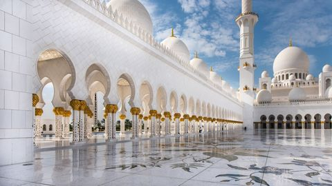 Private Abu Dhabi Classic City Tour with Louvre Museum