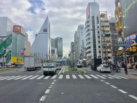 Full-Day Private Guided Tour to Osaka Modern City