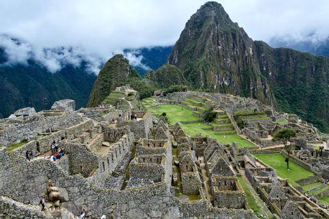 Short Inca Trail to Machu Picchu Private - 2 days/1 night