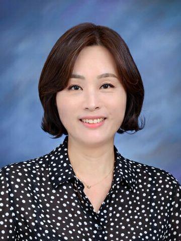 Jinee K.