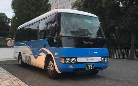 Private Van Transfer between Narita Airport and your hotel in Tokyo (1-18pax)