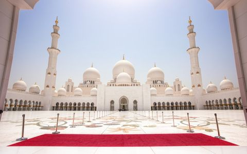 Abu Dhabi Classic City Tour with Louvre Museum from Dubai