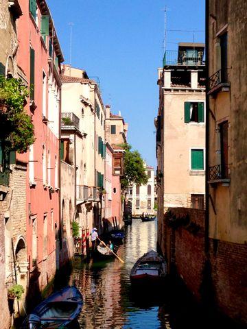 Fun Family friendly Treasure Hunt in the hidden Venice