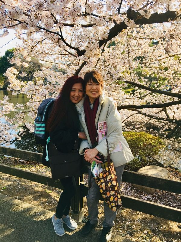 A lovely guest and me in Shinjuku Gyoen Park