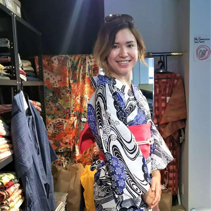 Wow! You look so beautiful in Yukata (summer cotton Kimono)