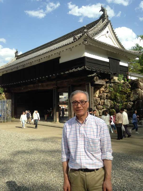 In front of the Otemon gate of the Kochi Castle.