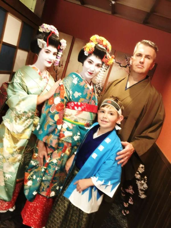 Kyoto Maiko experience with Gregory and his beautiful family