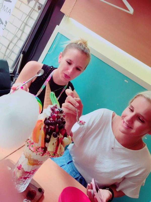 Crazy parfait for lunch!? Osaka Dotonbori street with beautiful sisters Chloe and Amanda from USA