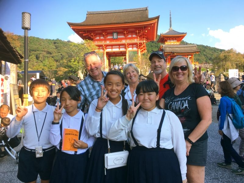 Kyoto Kiyomizu temple with Japanese school trip students :)