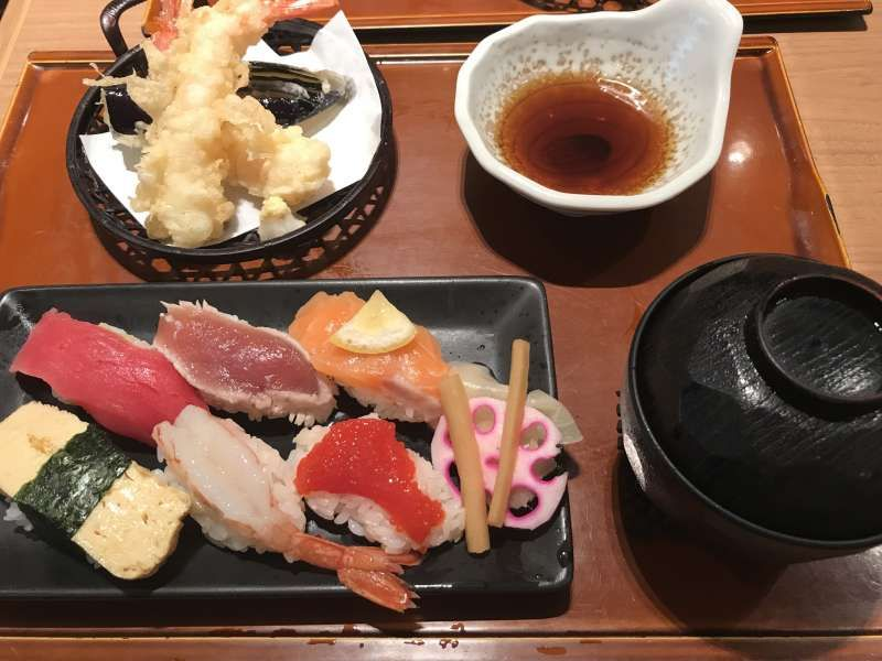☆Sushi- tempura set meal ☆