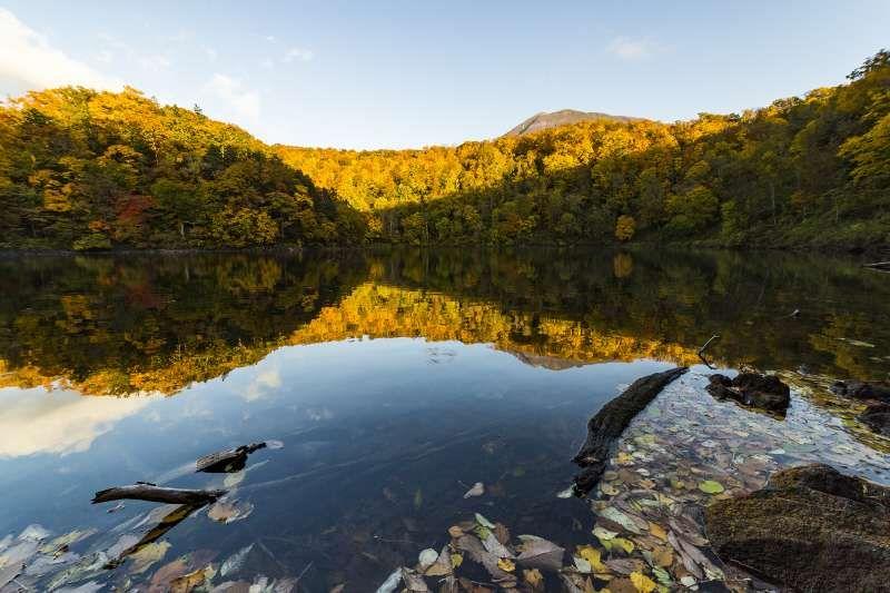 Lake Hangetsu in Niseko