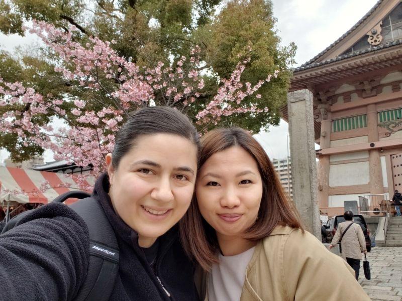At Shitennoji shrine on 21st of March, 2019. We enjoyed early cherry blossom!