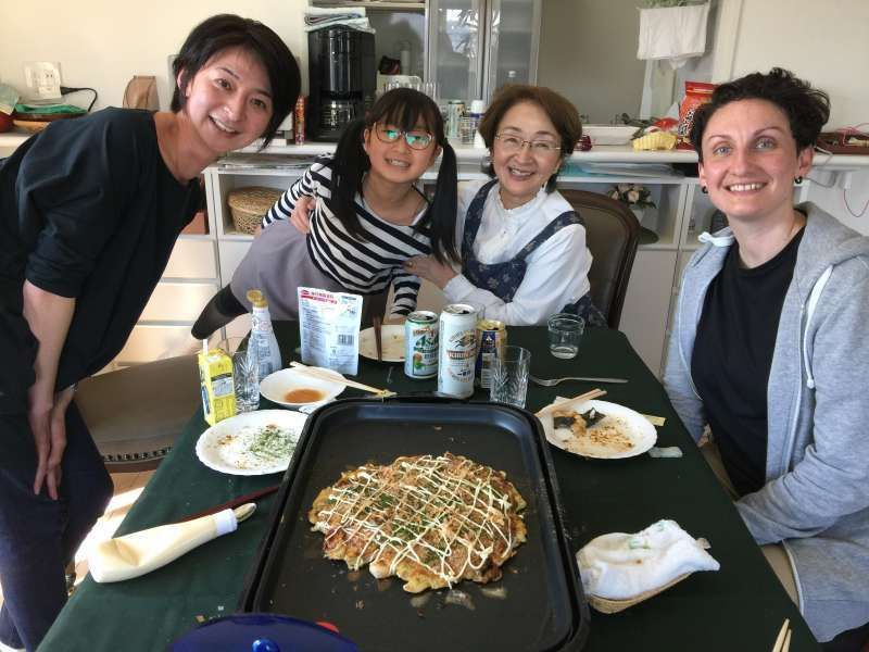 Okonomiyaki (Savory cake) is one of my favorites! ( I am a good cook!? )