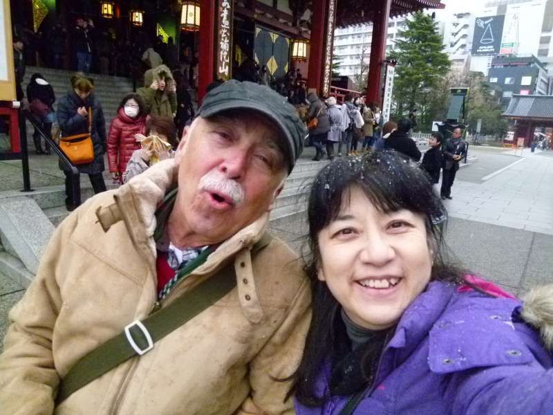 Let-it-snow strolling at  Senso-ji Temple in Asakusa with a hilarious gentleman.