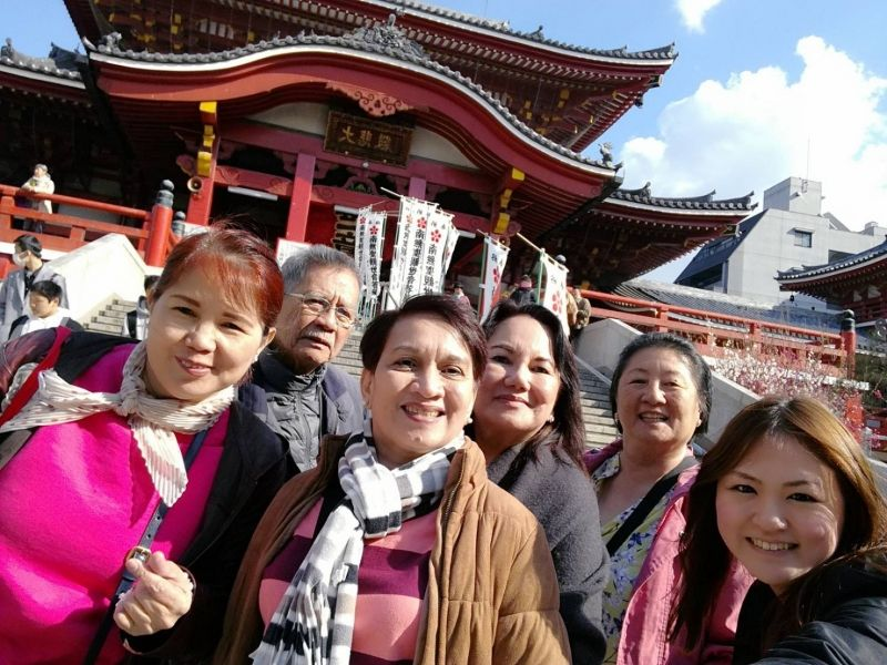 In front of Osu Kannon Temple! Such a fun guests from Philippine!
