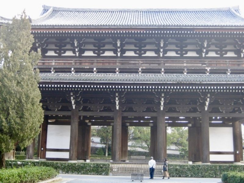 Tohfukuji temple. it is the oldest gate of temples in Kyoto.