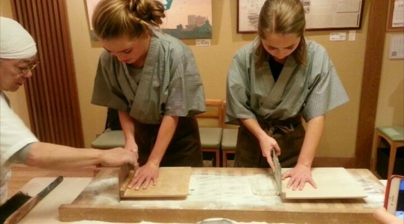 Footage of a Soba noodle making lesson in Yanaka !!