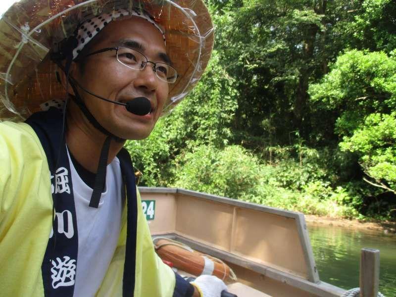 I was a boatman of Horikawa Sightseeing Boat. I guide Matsue's sight and history.