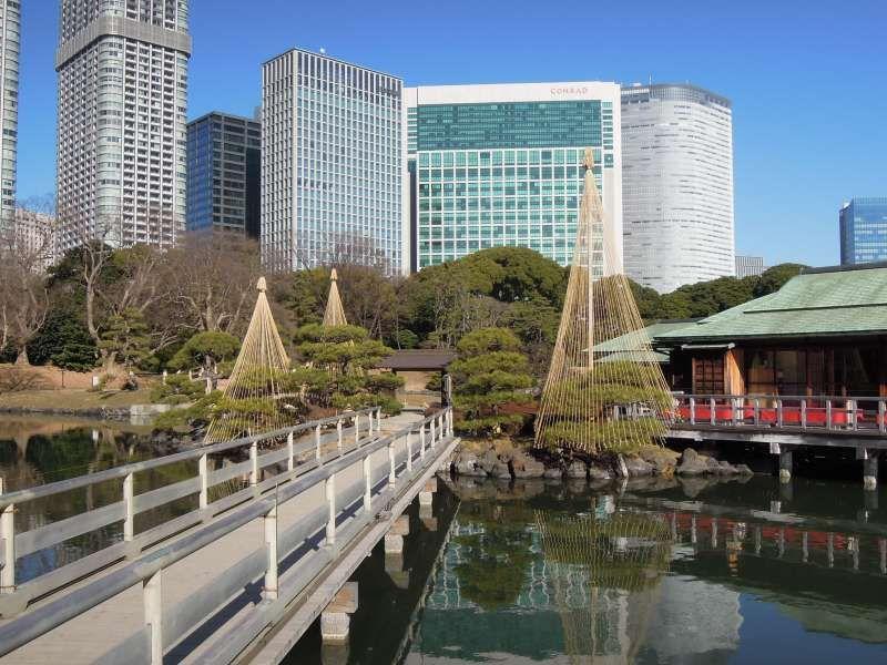 Hama-rikyu Garden near Tsukiji