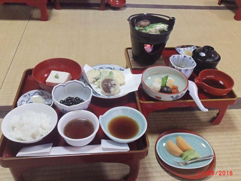 traditional Buddhist vegitarian food called SHOJIN-RYORI (at Koyasan)
