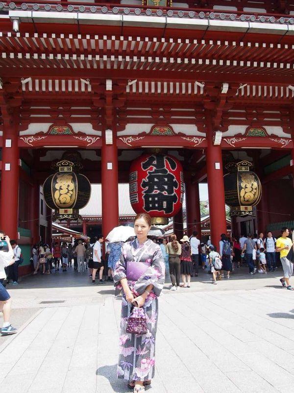 Asakusa Hozomon gate