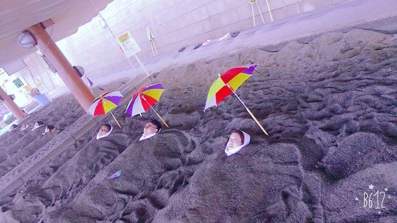 鹿兒島指數的天然沙蒸溫泉!日本唯一的海邊天然沙浴場 Sand bath in IBUSUKI of Kagoshima, the only natural sand hot spring in Japan!