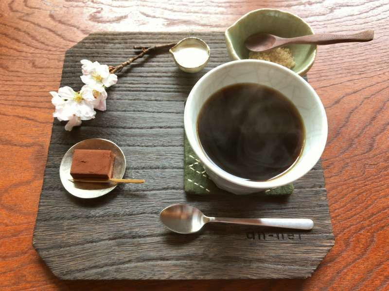 Coffee with cherry blossoms served in my favorite cafe at Engakuji Temple in Kamakura
