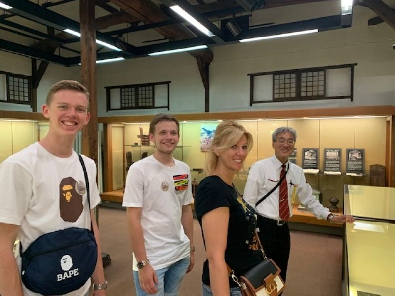 Boers Family and I enjoyed two-day tour in Kyoto. The process of dyeing textiles for kimono at Kuriyama Kobo factory is very complicated, delicate and technically advanced even though it's very traditional.