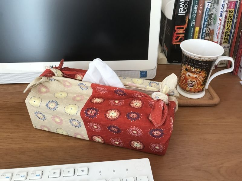 Furoshiki wrapping of a tissue paper box