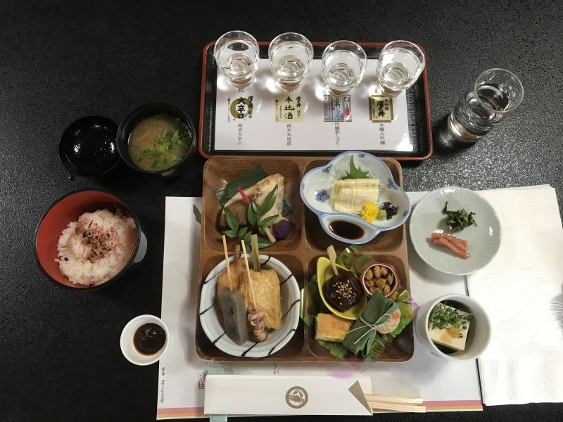 A sake tasting set and a set lunch served at Ozawa Shuzo, a sake brewery in Ome city,Tokyo