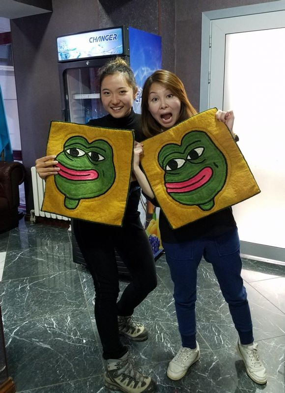 It was funny traveling with tourists from Hong -Kong. One of the tourist wishes to have a small carpet with Pepe (famous frog in Hong Kong). And her emotion when she got it was unforgettable.
