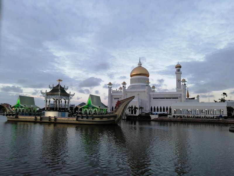Omar Ali Saifuddien Mosque