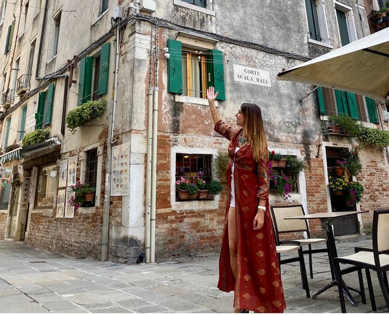 Lucia Bondetti private tour guide Venice
