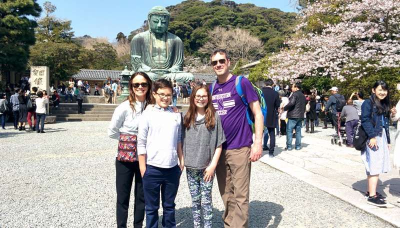 Great Buddha, cherry blossoms, and a cheerful family!