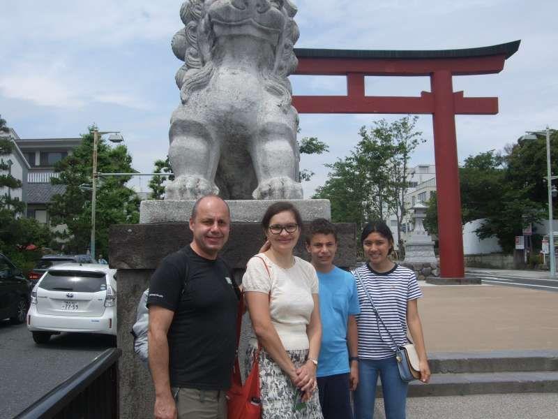 At Nino-torii, the second torii gate, of Tsurugaoka Hachiman Shrine