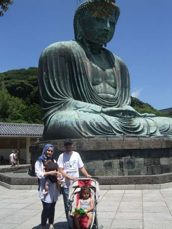 With Great  Buddha and such.a blue sky!