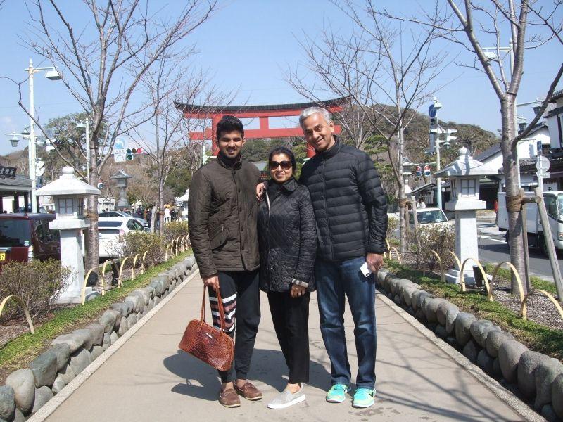 On our way to Tsurugaoka Hachiman Shrine. The sky is so blue!