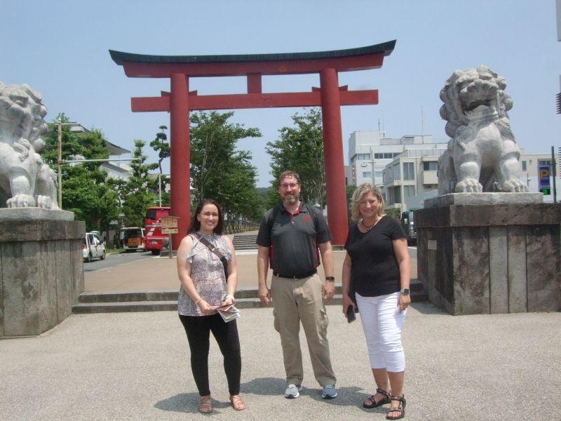 At Ni-no-Torii, the gate way to Tsurugaoka Hachiman Shrine