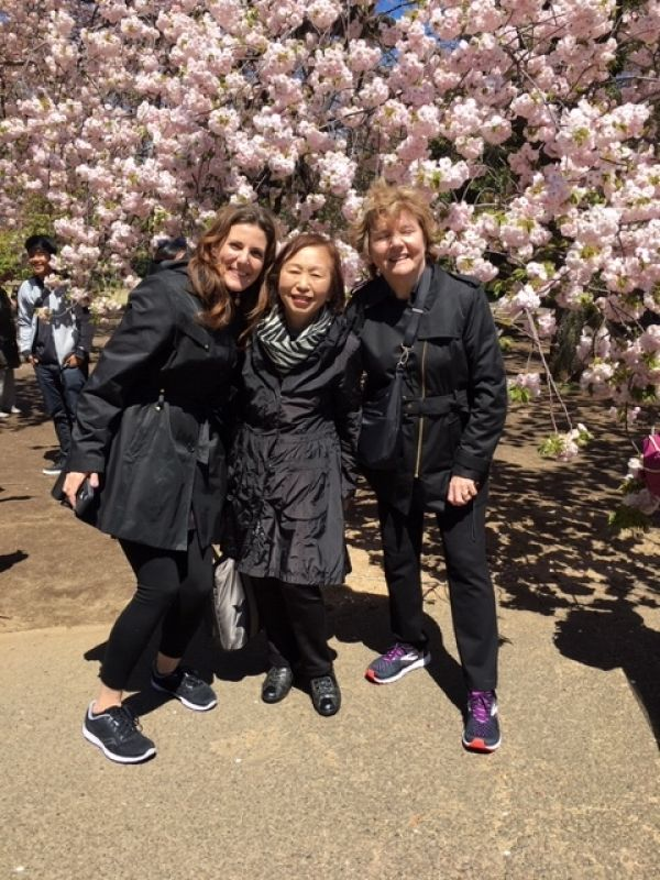 A wonderful family from California, U.S.A., at Shinjuku Gyoen, April 2019