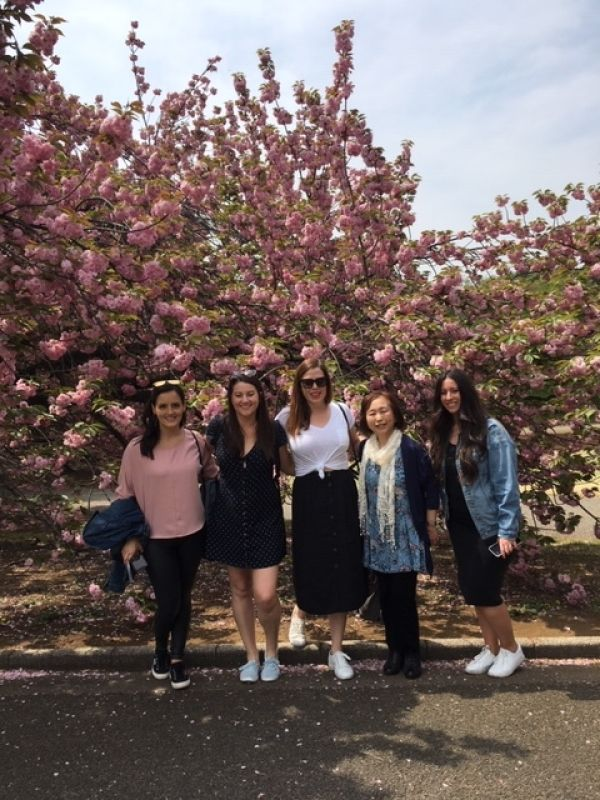 A wonderful young ladies group from U.S.A., at Shinjuku Gyoen, April 2019.
