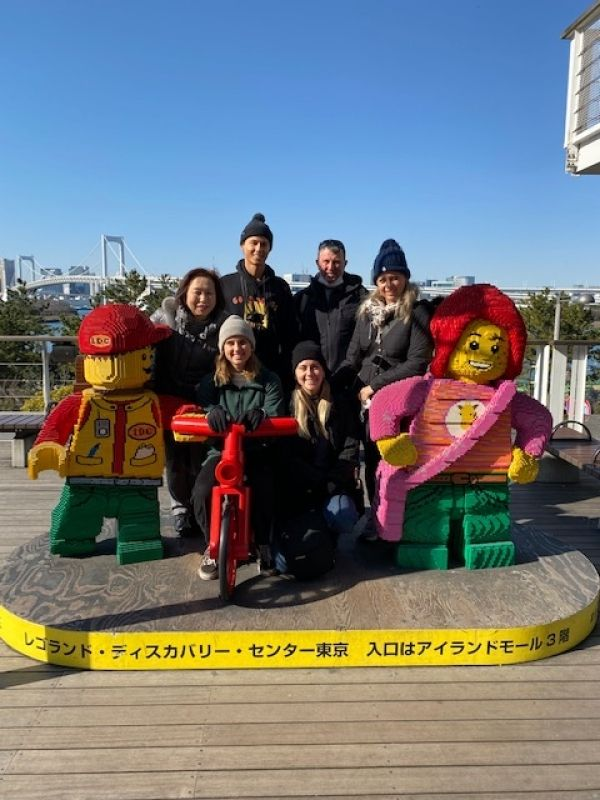 A wonderful family from Sydney, Australia.  Enjoy Odaiba, Feb. 2020