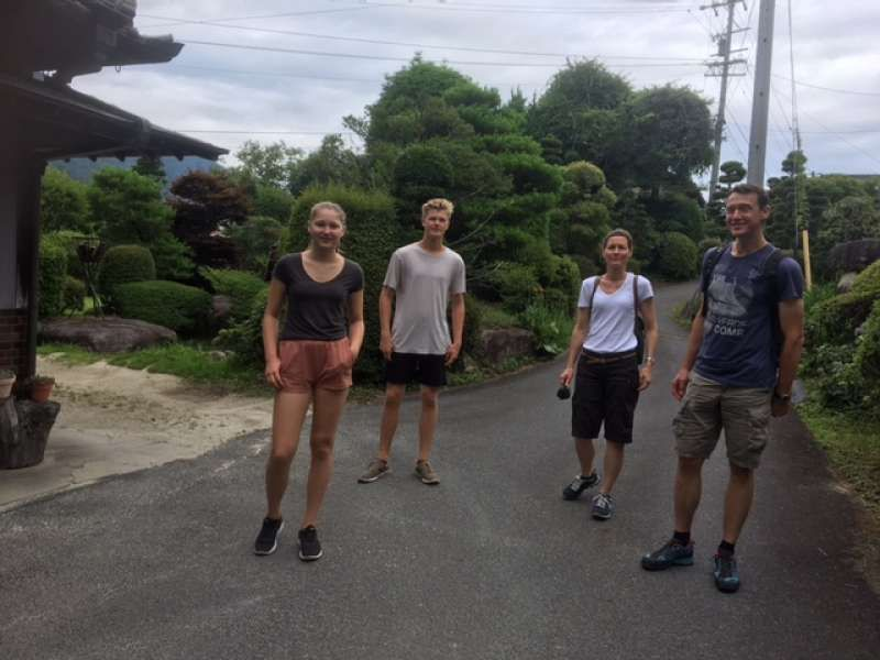 My lovely clients walked in hilly Tsumago and Magome on Nakasendo in Gifu (Vienne, Austria)