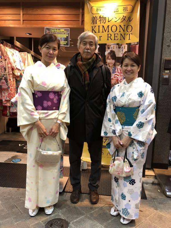 Lovely guests from Singapore enjoy wearing Kimono at Asakusa